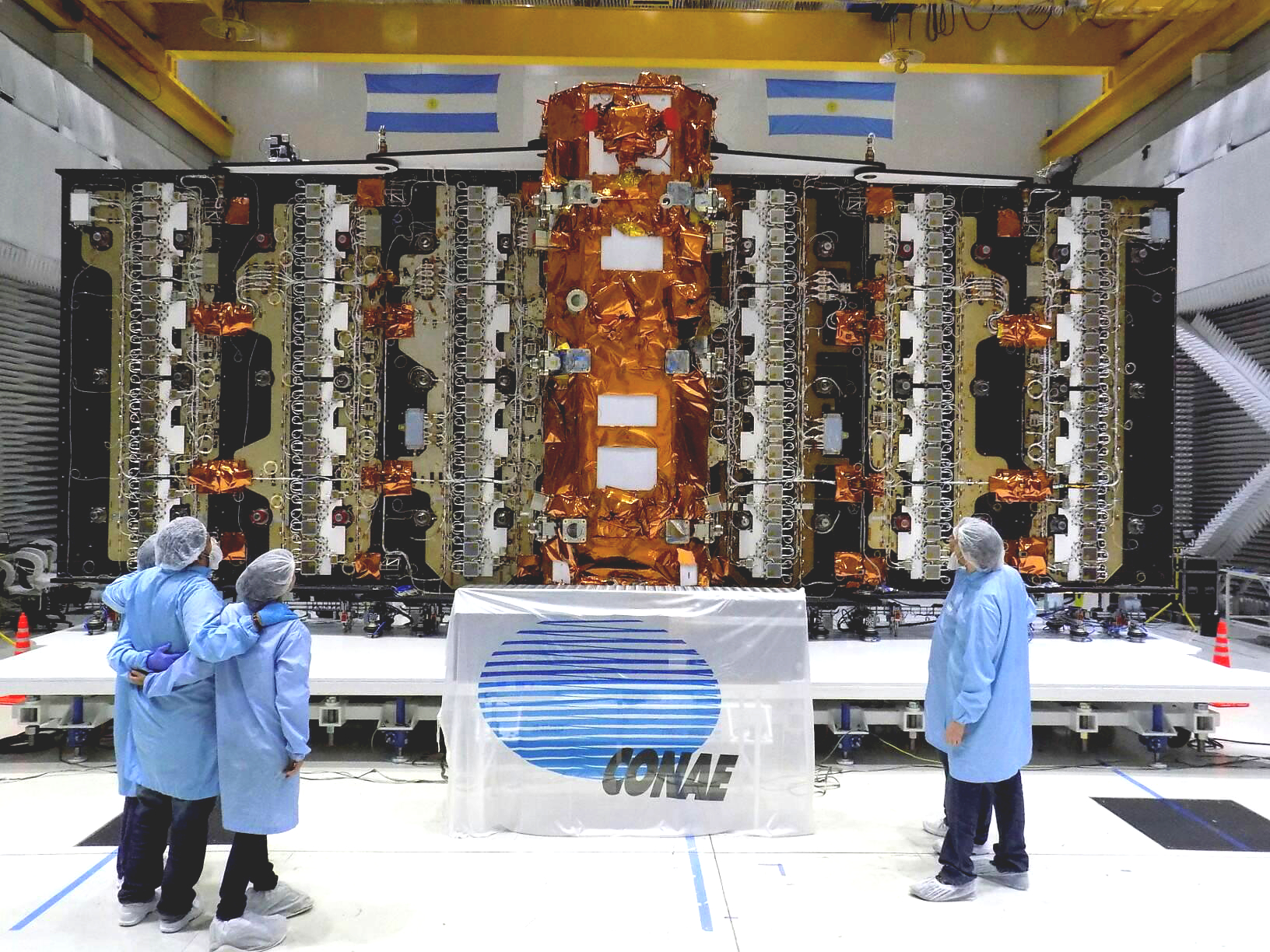 SAOCOM 1A y SAOCOM 1B - Satélites hechos en Argentina SateliteSAOCOM1A_3editPruebasFinales_INVAP