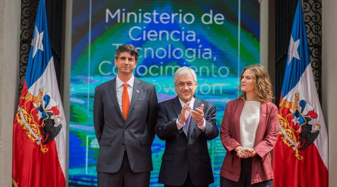 A partir de esta semana, Chile tiene nuevo ministro de Ciencia. Se trata de Andrés Couve, doctor en Biología Celular y director del Instituto Milenio de Neurociencia Biomédica. En tanto, la subsecretaria del ministerio será Carolina Torrealba, también doctora en Biología Celular y directora de la Iniciativa Científica Milenio.