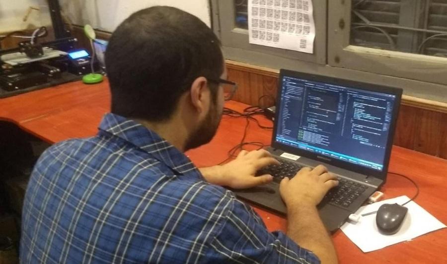 El Grupo de Investigación en Calidad de Software de la UNNE desarrolló una plataforma digital para controlar el cumplimiento del aislamiento (Foto Prensa UNNE).