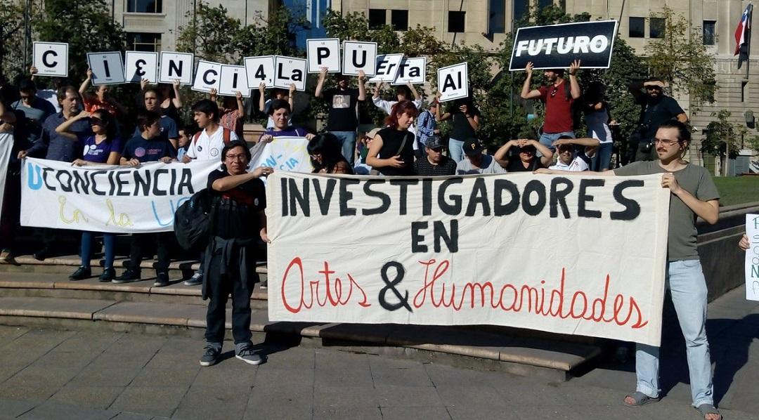 En los últimos años, de manera similar a lo que sucedió en la Argentina para hacer frente al ajuste, se ha fortalecido la organización colectiva de la comunidad científica chilena.