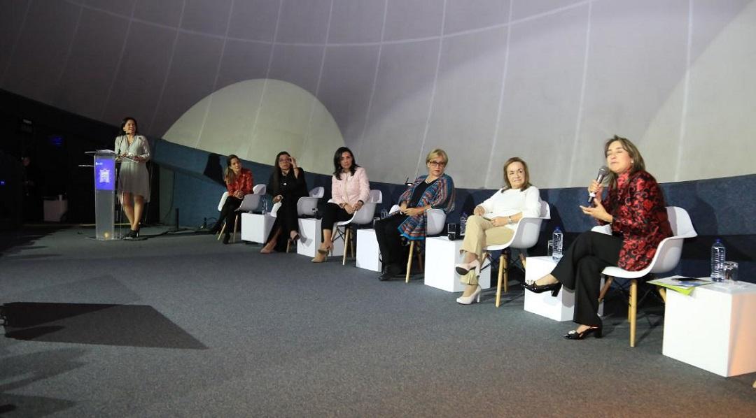 La Red Colombiana de Mujeres Científicas surgió en 2016 con la misión de estimular y visibilizar la participación de las mujeres en ciencia y tecnología, y promover políticas para garantizar dicha participación.